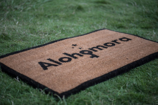 alohomora-doormat-for-harry-potter-fans-gifts